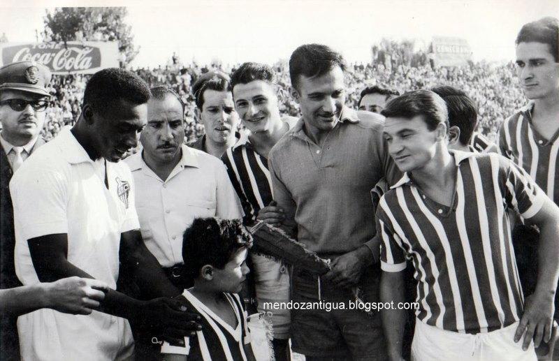 Amistoso con el Santos de Pelé