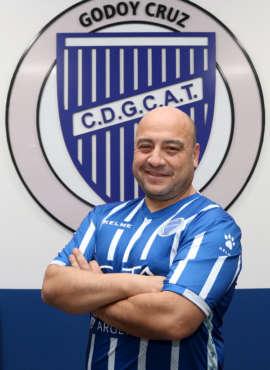 Adrián Vera